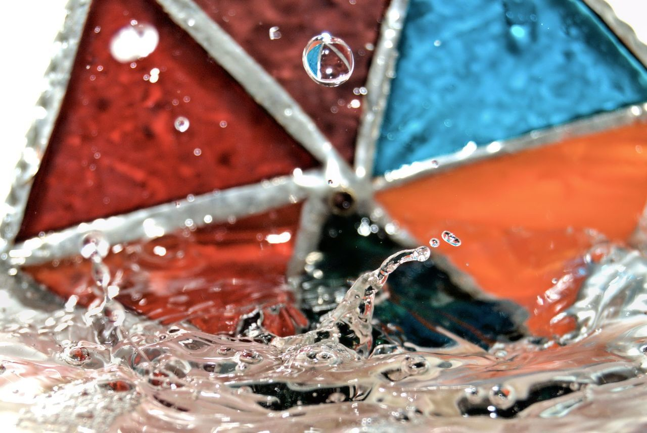 red, close-up, water, drop, no people, motion, indoors, freshness, day