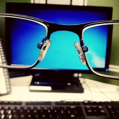 Tidak semua yang indah itu terlihat nyata, jgn melihat sesuatu dari satu sisi saja.. Glasses Instagram BitzArt