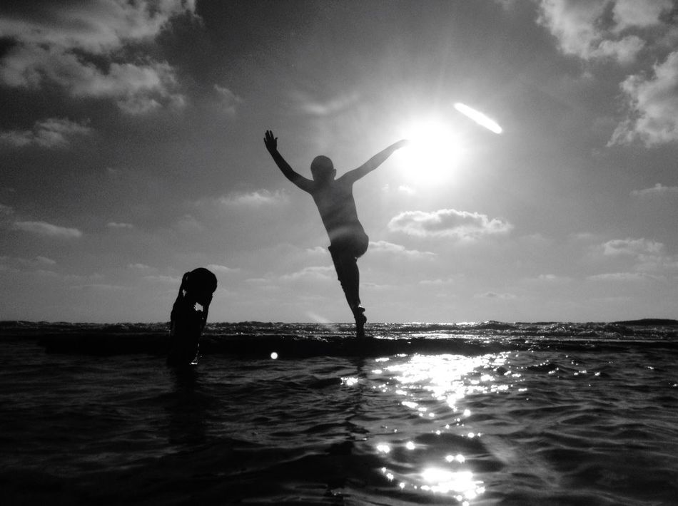 Water Real People Sky Leisure Activity Childhood Two People Cloud - Sky Full Length Sea Boys מיישחורלבן Lifestyles Nature Vacations Sunlight Outdoors Standing Scenics Beauty In Nature Horizon Over Water מייים מייגיא מייאייפוד Shotonipod Ipod
