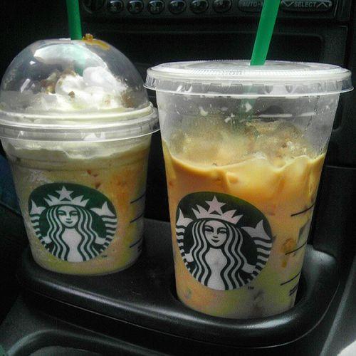 Spilling someone else coffee on me >.< the smell of it made me get one!! Starbucks Caramelribboncrunch Mochacaramelanditsupsidedown Sorryioweyouoneelsa @peaceloveramos @elsa2112