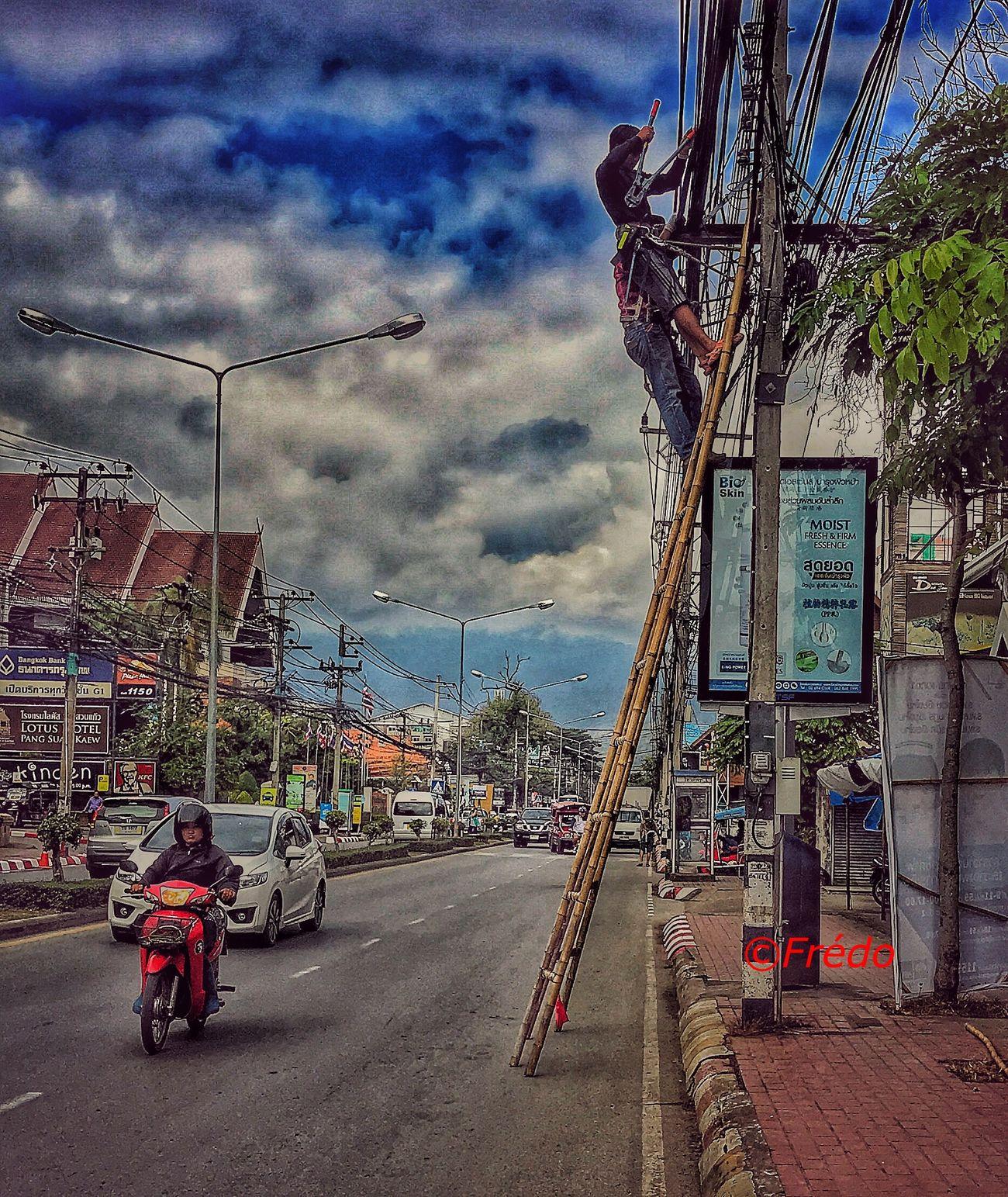 Wooden feet Streetphotography Thaïlande Real People EyeEm Best Shots Eyem Gallery Street Photos😄📷🏫⛪🚒🚐🚲⚠ EyeEm Best Edits Thailand Photos Thailand_allshots Streetphoto_color Thaistagram Eyem Best Shots Eye4photography Colorful Photo EyeEm Gallery EyeEmBestPics Street Photography Streetphoto
