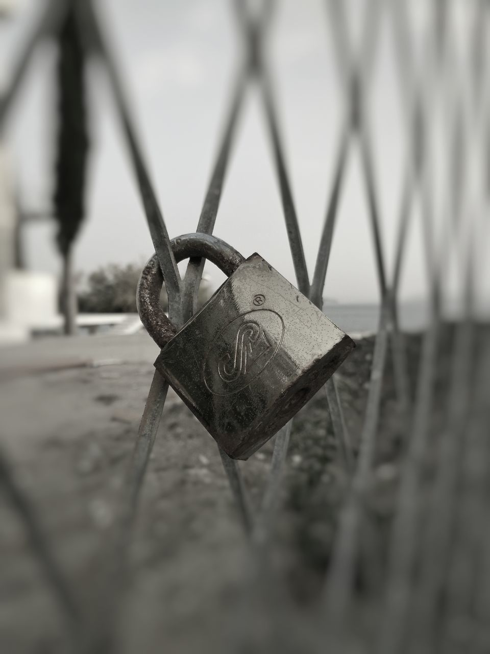 metal, security, padlock, safety, close-up, selective focus, no people, lock, luck, protection, love lock, day, outdoors