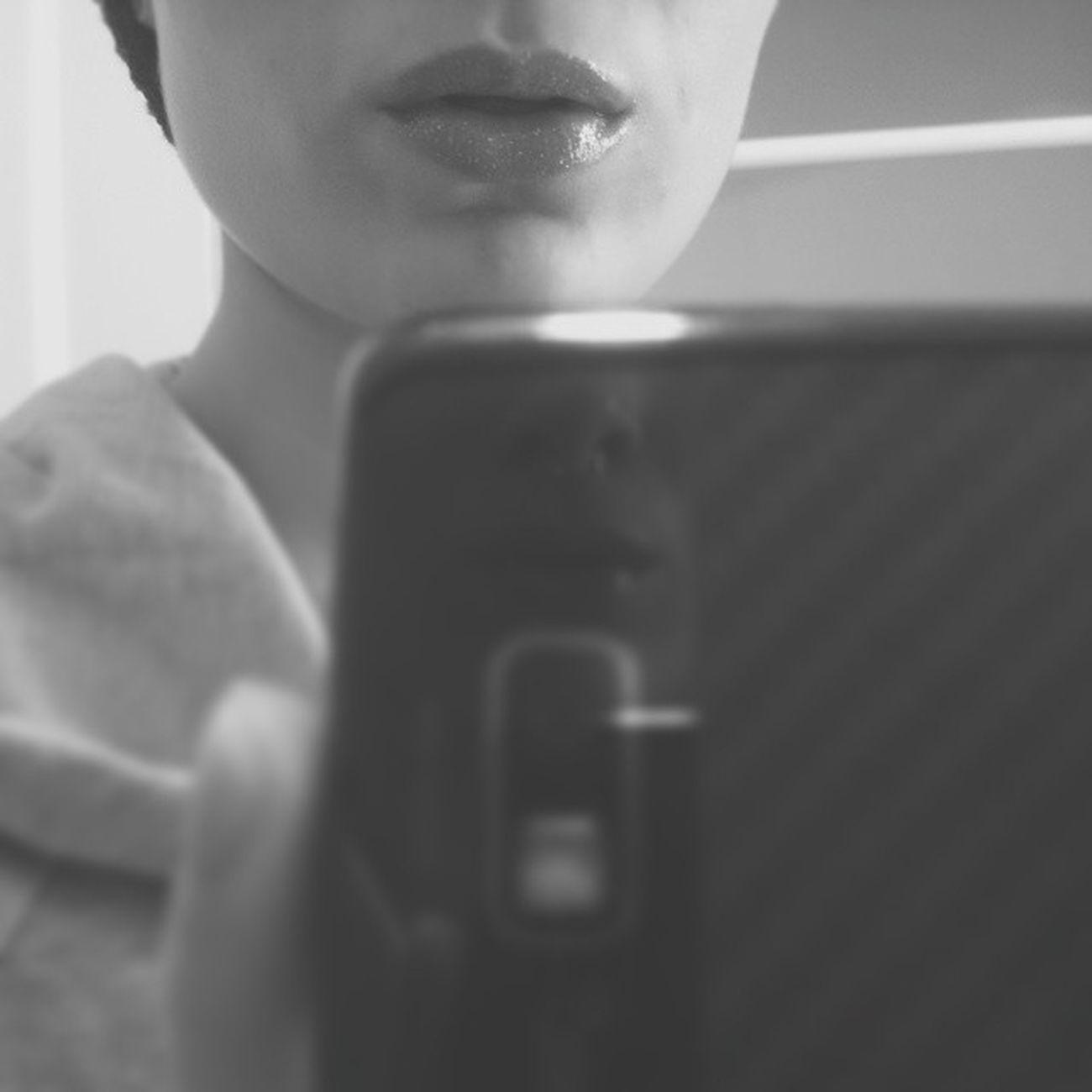 I wasn't aware that glittery lip gloss ever went out of style? Glitter Lipgloss Uhm  Yup WearingIt Rockingit