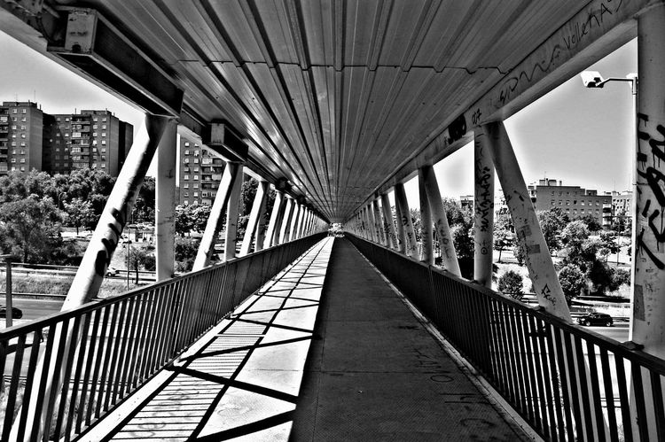 Mtz ;) Contrast Blackandwhite Streetphotography Profundity Profundidad Morning Madrid SPAIN