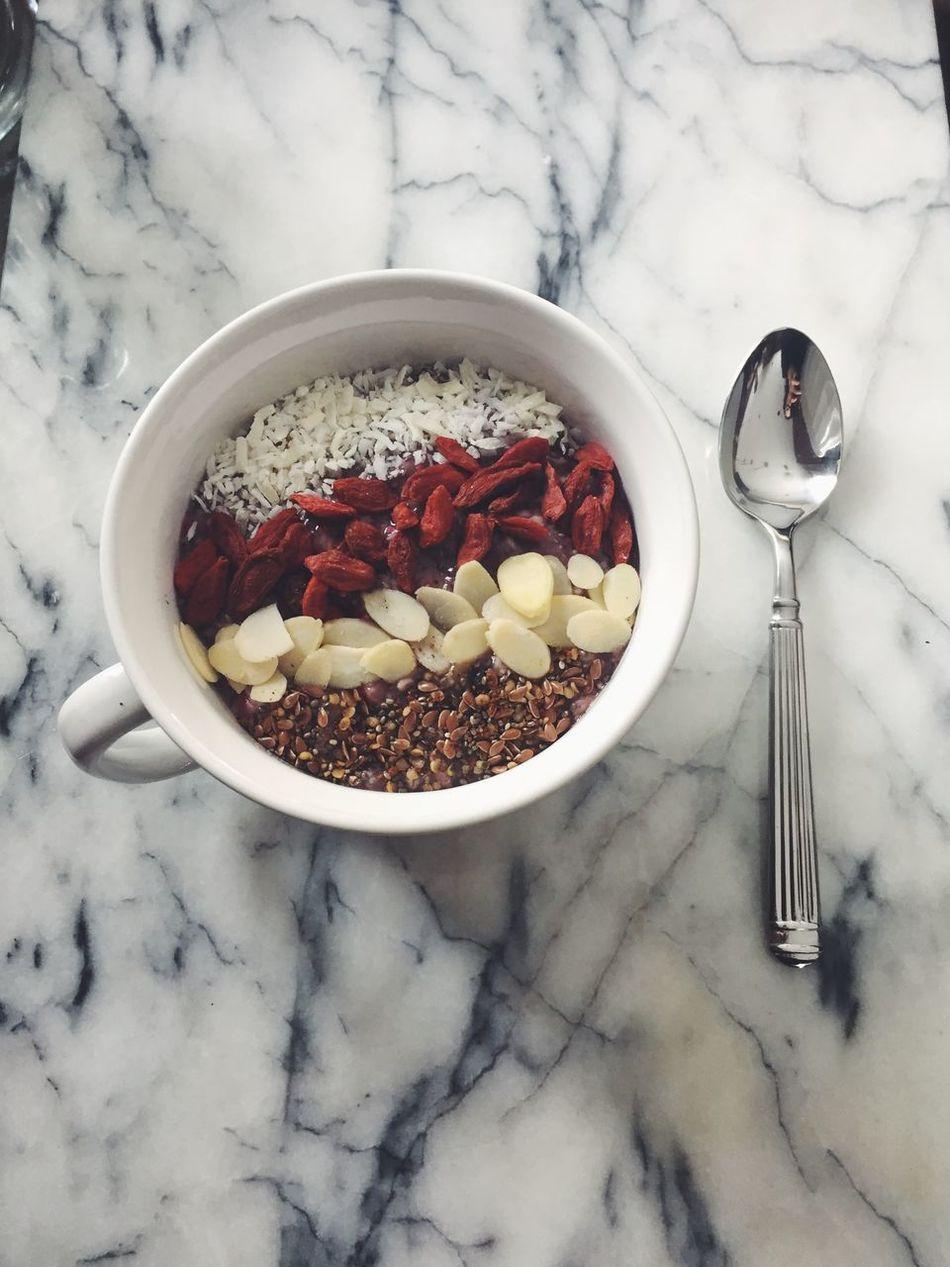 Because when your breakfast is pretty it tastes so much better. Breakfast Healthy Eating Prettyeating Veganbutimnotvegan