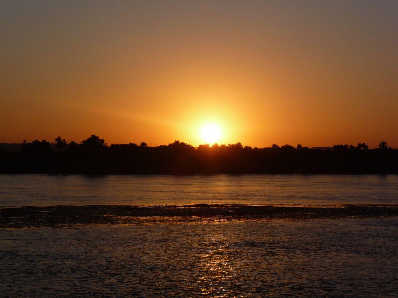 Egypte ´11 MajestueuxeOrange Scène TranquillenTranquillityuSoleil IdylliquelNature PaysagepScène Non Urbain Orange ColoreExterieurterieur