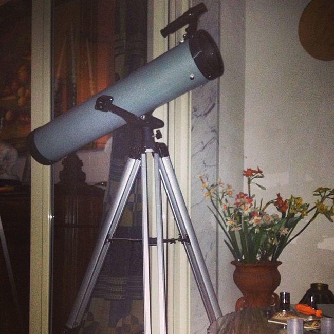 Luna Piena Telescopio Questa notte e fatta per guardare le stelle