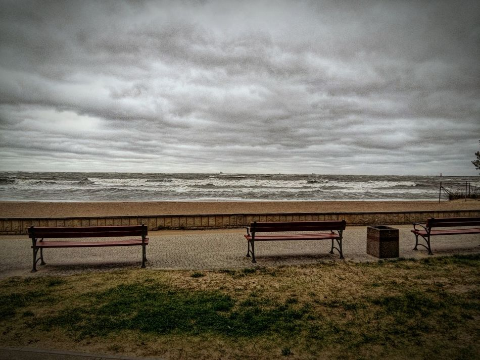 Bench Empty Horizon Over Water Sea Park Bench Tranquility Tranquil Scene Water Scenics Cloud Sky Beauty In Nature Relaxation Cloud - Sky Outdoors Nature Day Ocean Remote Cloudscape Sztorm Poland Gdańsk Morze Bałtyckie Wind Gdansk