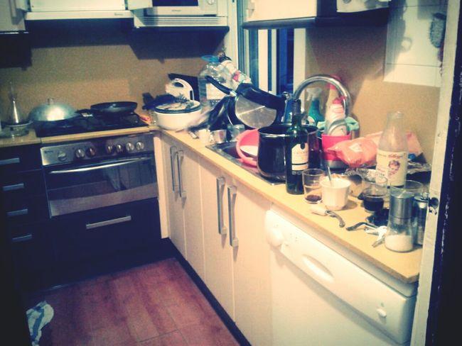 Caos Cocina Sucios Barcelona