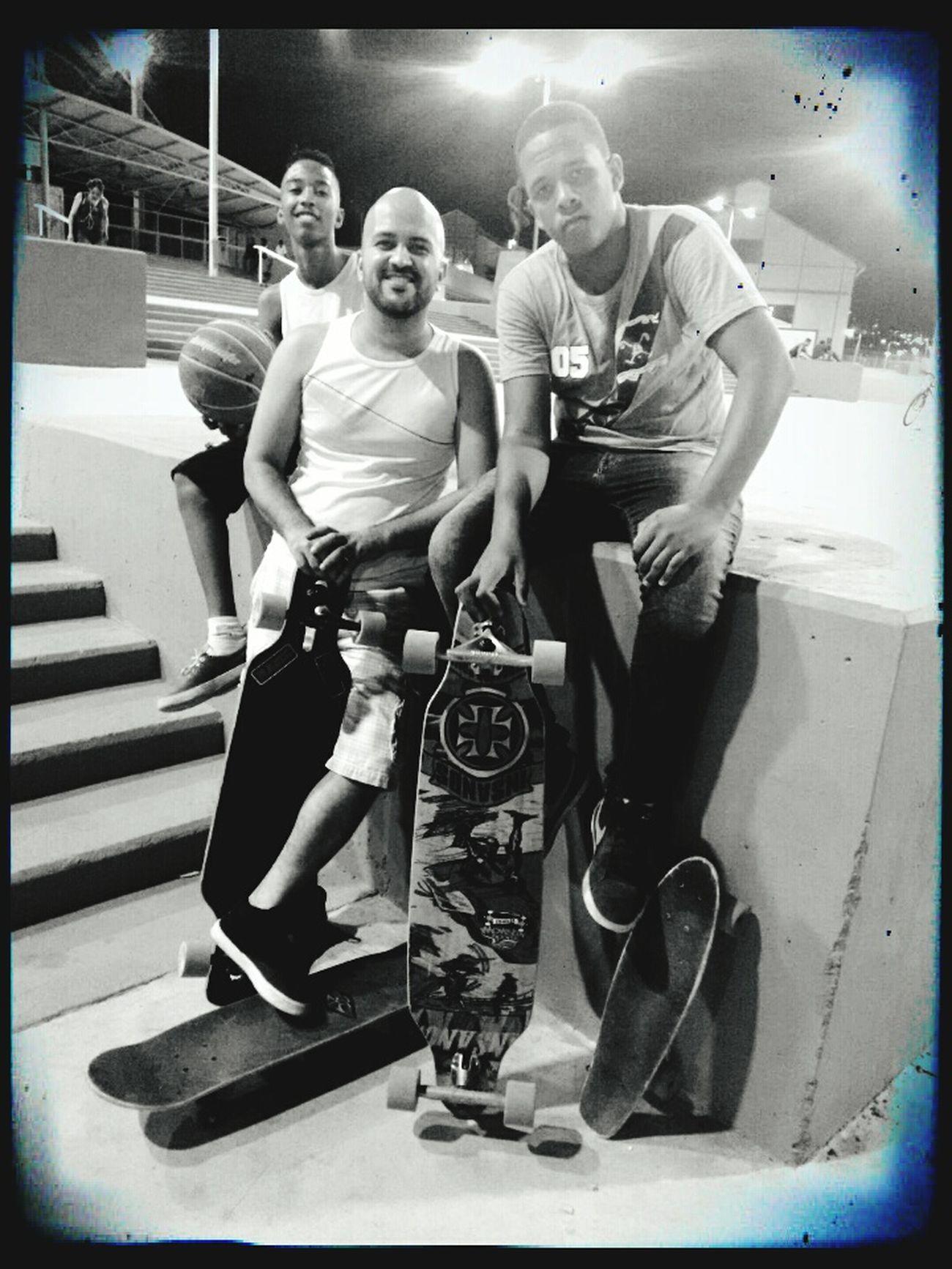 Pai, filho e sobrinho... Relaxing Longboard Skate Son Família Family