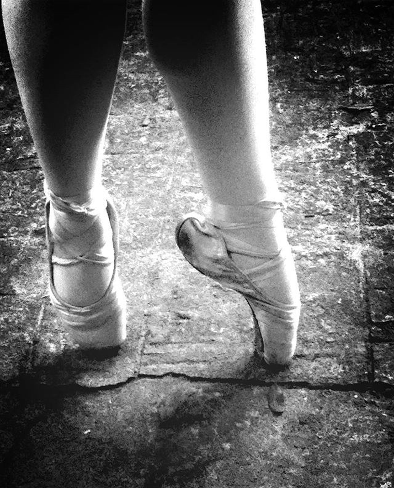 Ballet Blackandwhite Blackandwhitephotography Photography Photo Photographer Photoofday PretoNoBranco Pretoebranco Sapatilhadeponta Bailarina Tagsinstagram Instaballet Dança Tags Tagsforlikes Instabrasil Instagram Instagrambrasil Brazil Braziliangirl Photogram