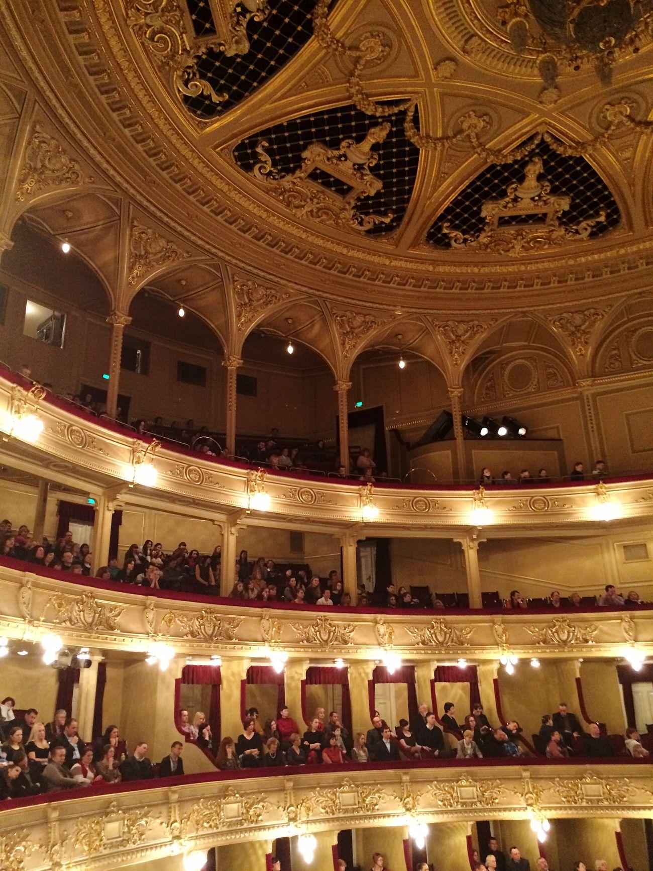 Jeanne D'arc Opéra Theater Gold Spectacular Enjoying The Music Music Enjoying Life Likeforlike Relaxing
