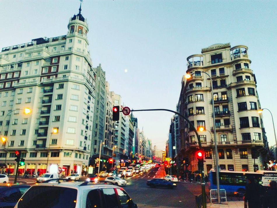 •Gran Vía• 🇪🇸 Madrid Madrid, Spain Granvia Movida Madrileña City Illuminated City Life Street Capital Aroundtheworld Atardecer Architecture