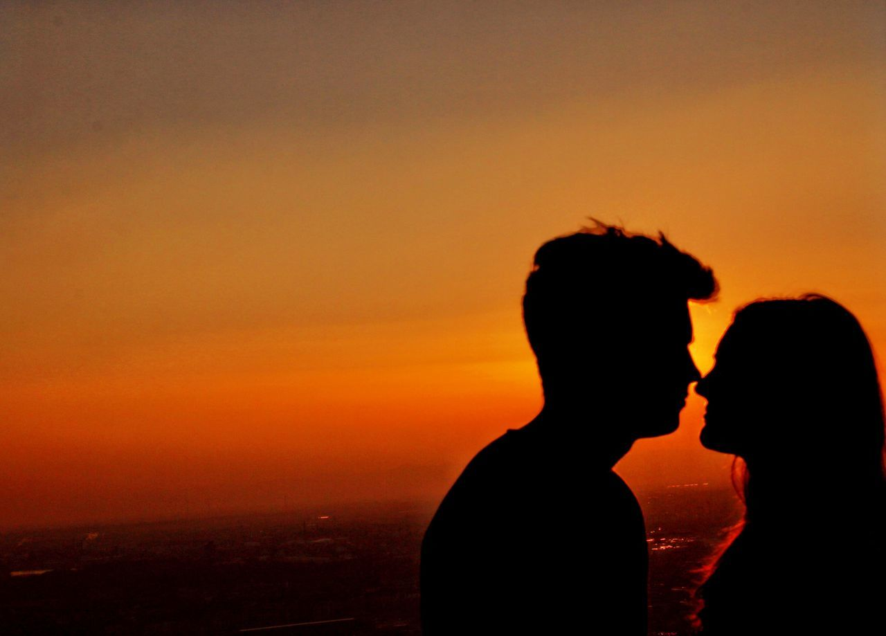 Beautiful stock photos of valentinstag, sunset, two people, silhouette, love