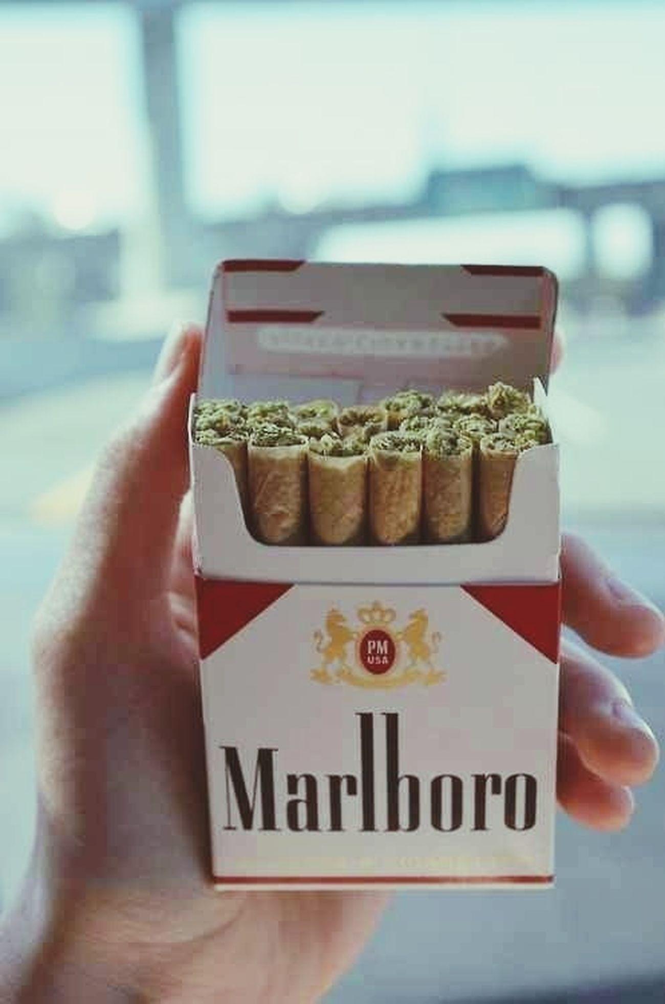 Smoke Malrboro