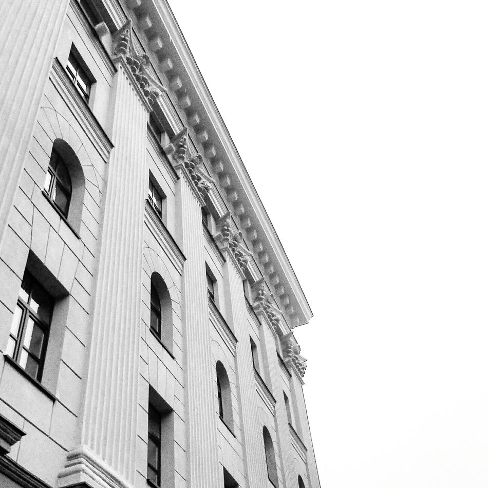 Low Angle View Building Exterior Built Structure Architecture Outdoors Day Sky No People Photography Followback Like Like4like Followme Photooftheday Followtofollowback Like4l Photo Photoshoot