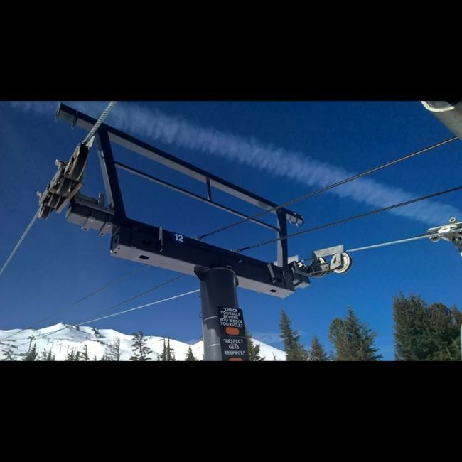 Another lovely day at Mtbachelor ! Mtbachelorstoked Skioregon Lumiaphoto Ski Bluebirdday Lumiaphotography Lumiagraphy PNW Discover_pnw Greettheday Greettheoutdoors Livethesweetlife New Love