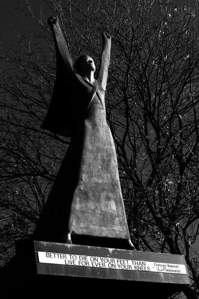Light And Reflection Outdoors Only Women Tree Statue Glasgow  Message Scotland Spanish Civil War La Pasionaria No Pasarán Freedom Inspirational Woman SPAIN Dolores Ibarruri International Women's Day International Brigade