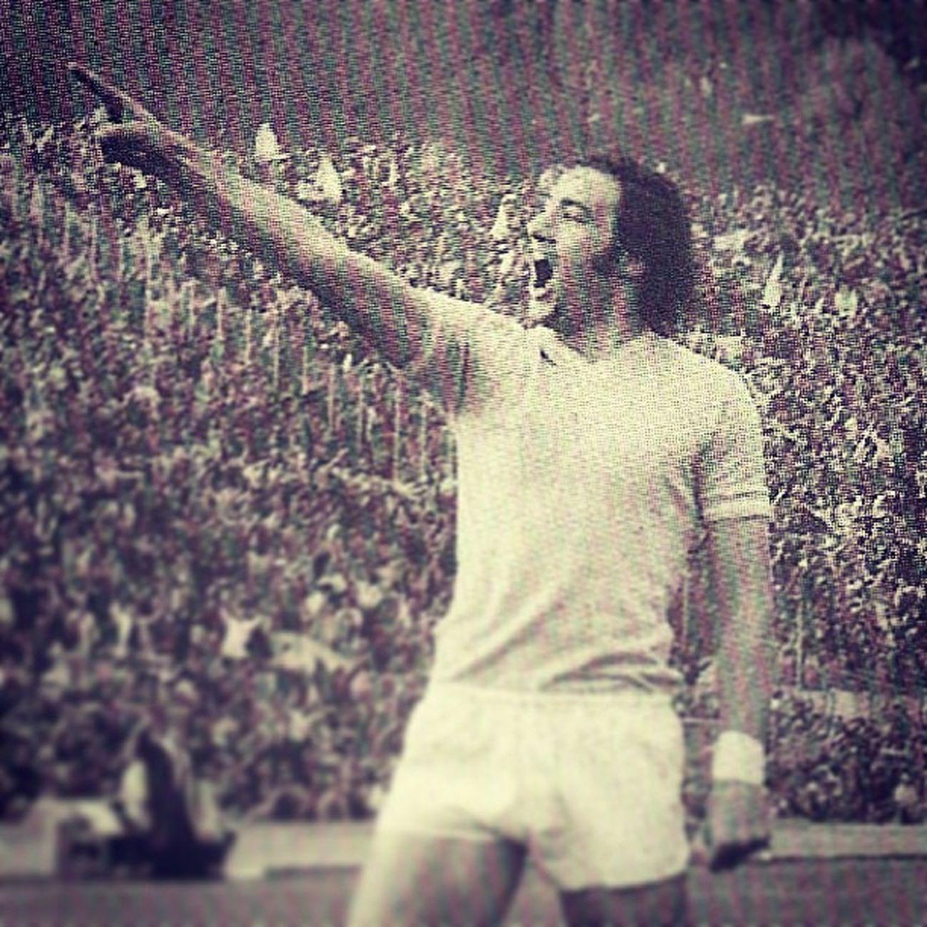 Chinaglia Giorgiochinaglia Sslasio Derby 1974 Rome Goal Göl Match Soccer Calcio Football Campionatocalcio Italiansoccer Italianleague League Lazio