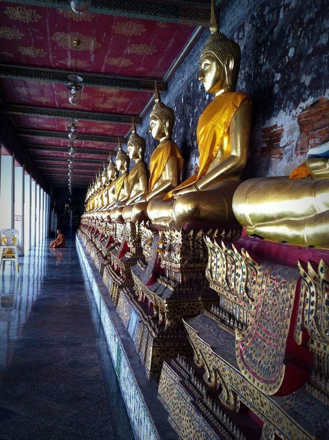 My Favorite Place ระเบียงคดวัดสุทัศน์ ราชวรมหาวิหาร Cloister of Wat Suthat Thepwararam Ratchaworamahawihan Buddhist Temple Buddha Statue Relegious Calm And Peace Buddhist Monastery Architecture Thai Architecture Contemplation Peaceful