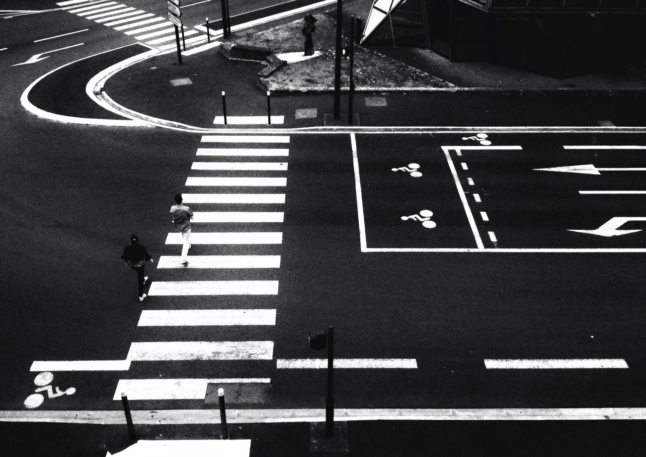 France Lens Noiretblanc Blanckandwhite IPhoneography Graphic Cityscapes City Urban Geometry Urbanphotography