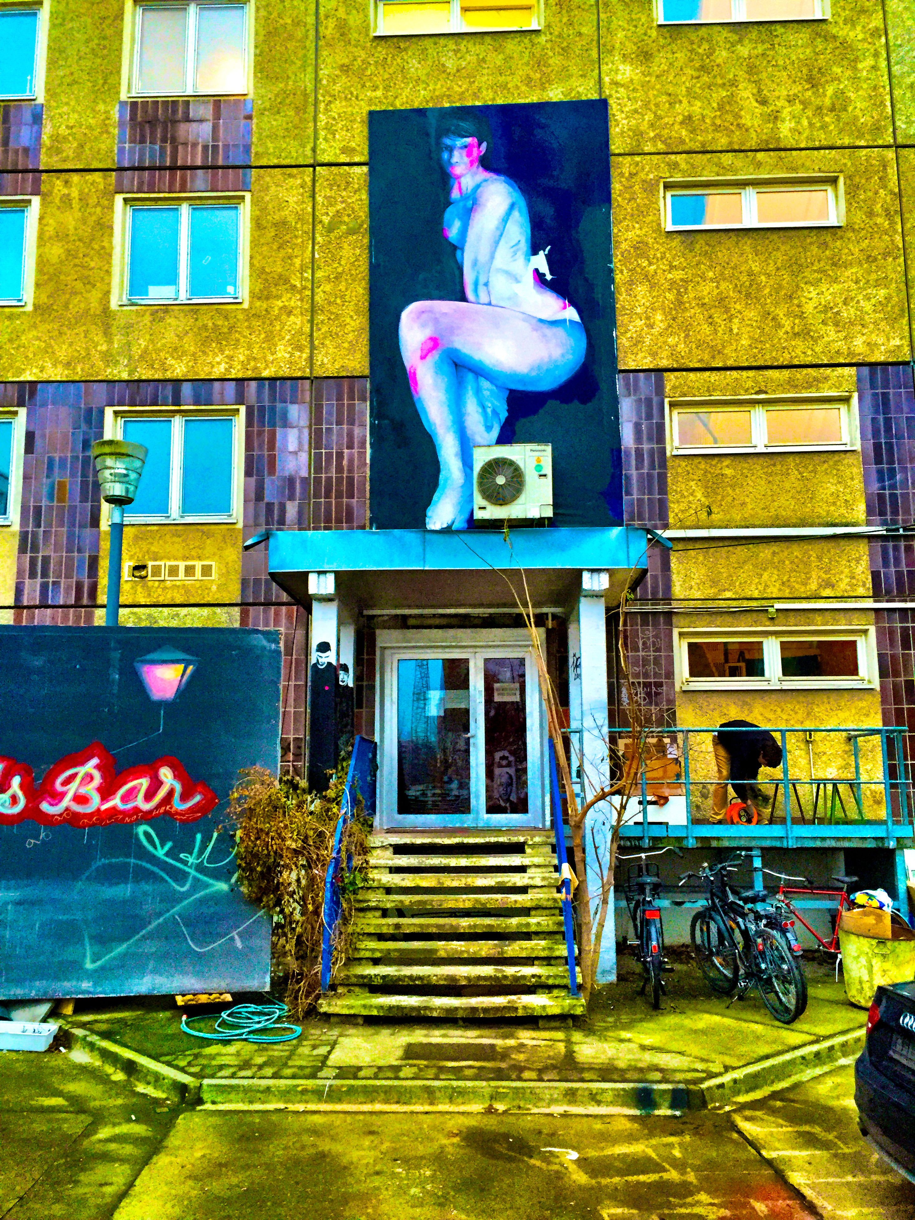 human representation, art, art and craft, creativity, statue, sculpture, built structure, architecture, building exterior, animal representation, graffiti, multi colored, full length, outdoors, building, craft