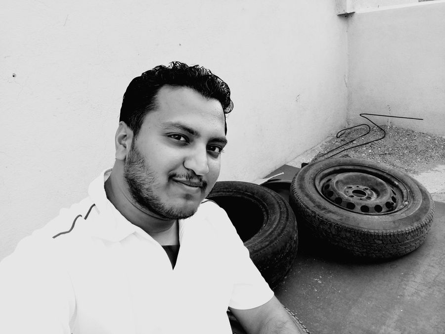 Sony Xperia M5 Selfie ✌ Curly Hair SmileTyres Rod Eyes Model Black & White Beard Mustache The Portraitist - 2016 EyeEm Awards Need For Speed Fine Art Photography Adventure Club Monochrome Photography Welcome To Black BYOPaper!