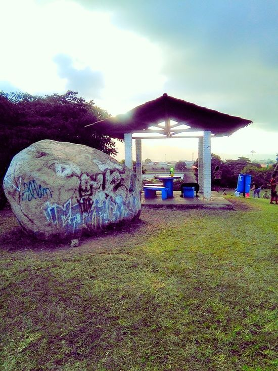 Piedra Graffiti Relaxing Time Pasear Mirar Colores Mirando Stone kSubir Stone Look Park