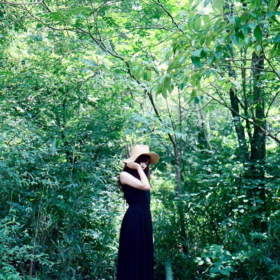 One Person Enjoying Life Japan Film Getting Inspired Portrait Light And Shadow People Haraism Standing Tree Lifestyles Rear View Green Color Nature Women Young Adult Real People Growth Outdoors Day Young Women Beauty In Nature Adults Only One Woman Only Only Women Adult