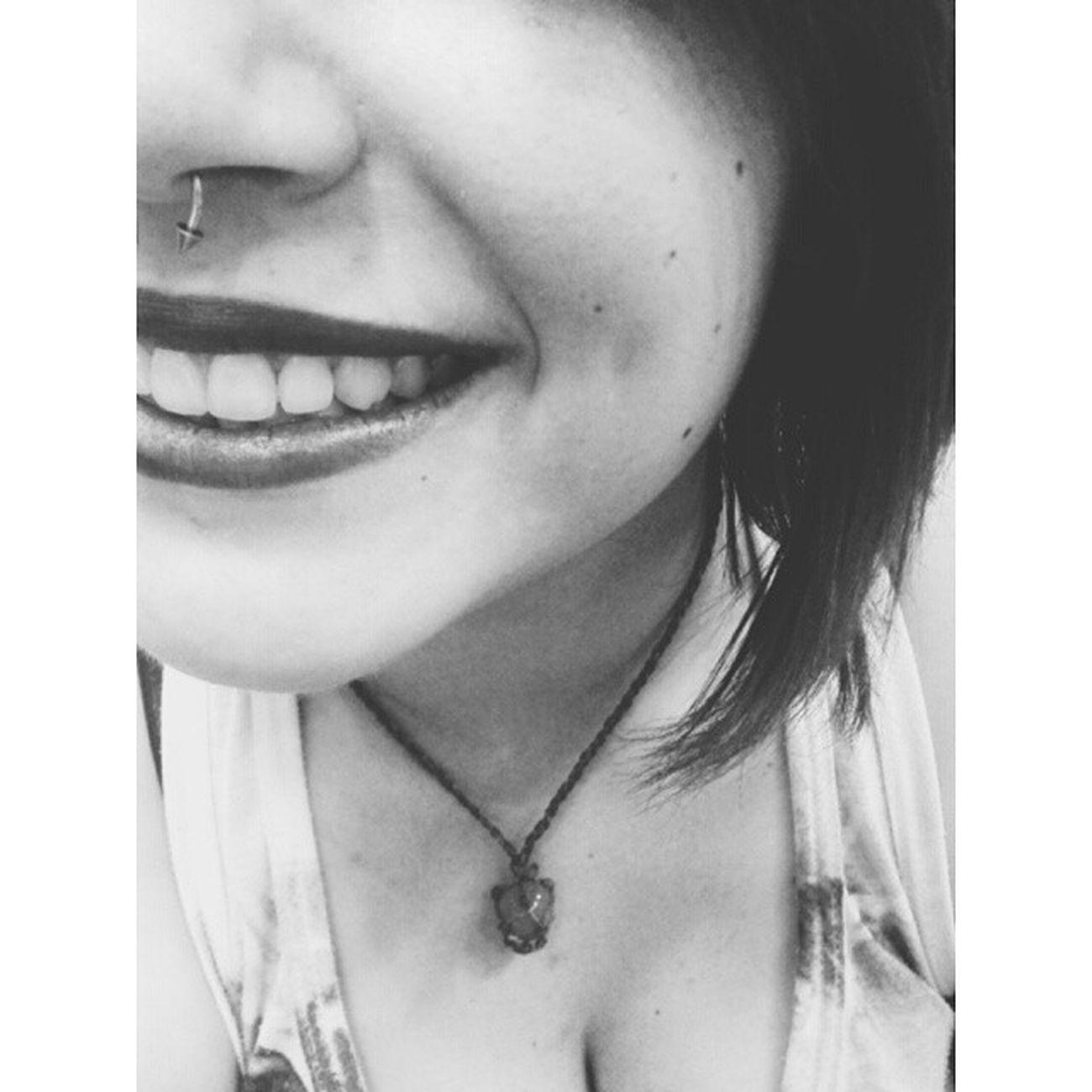Que chova felicidade, e que eu me afogue em cada gota ⭐❤ VSCO Vscobrasil Vscocam Instasize Me Eu Oi Smile Happy Feliz Like Linda Sorriso Amô Piercing Septo Sardas Covinha Cordao Boanoite