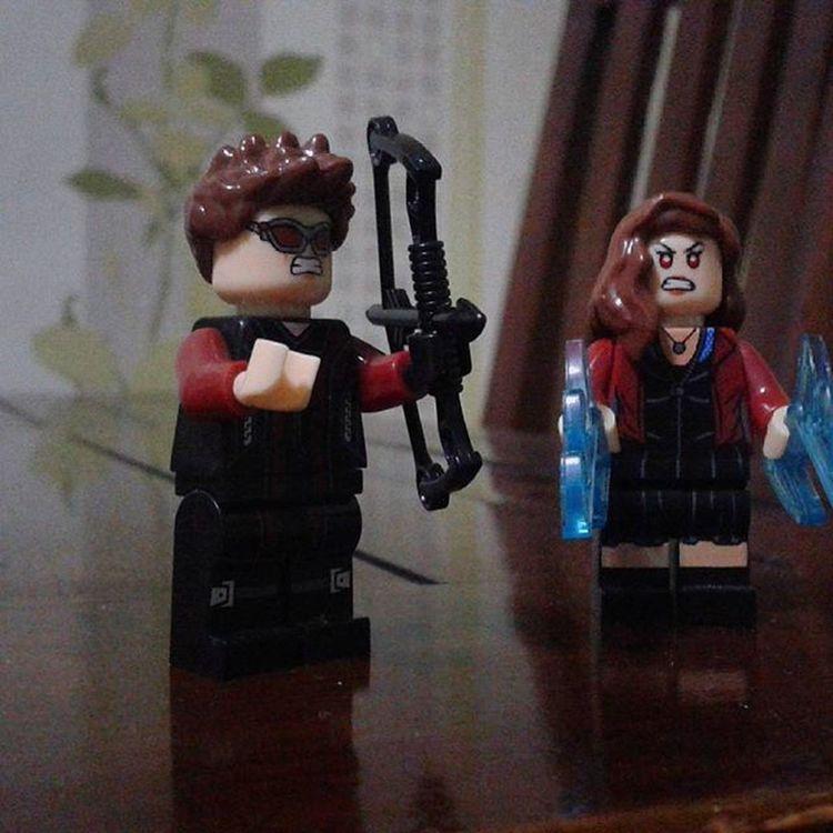 What ? Hawkeye Clintbarton ScarletWitch Wandamaximoff Marvel LEGO Minifigures