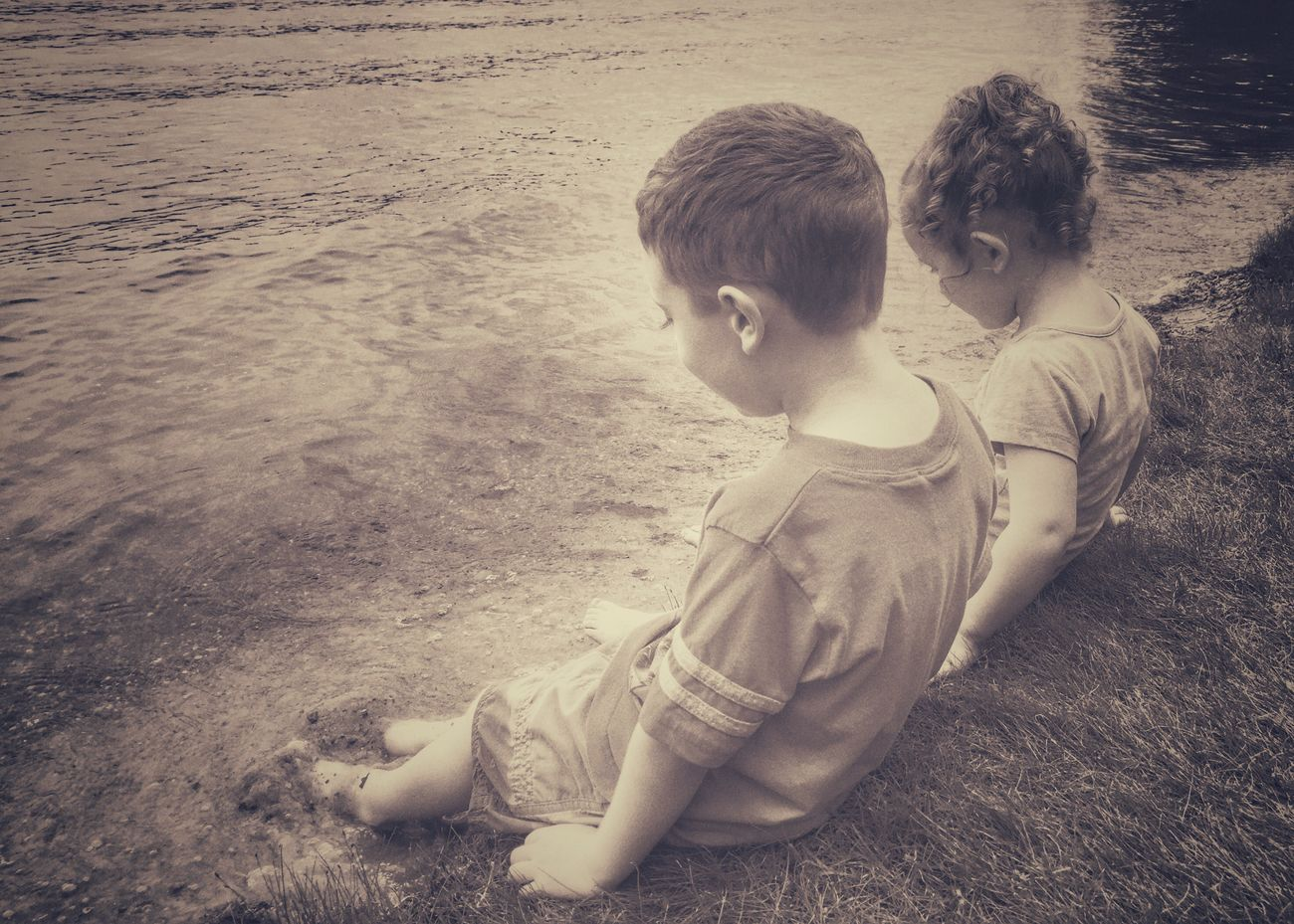 Summertime IPhoneography Lake Kids Beach Children Childhood Sand Toes In The Sand Waterfront Innocence Iphone6