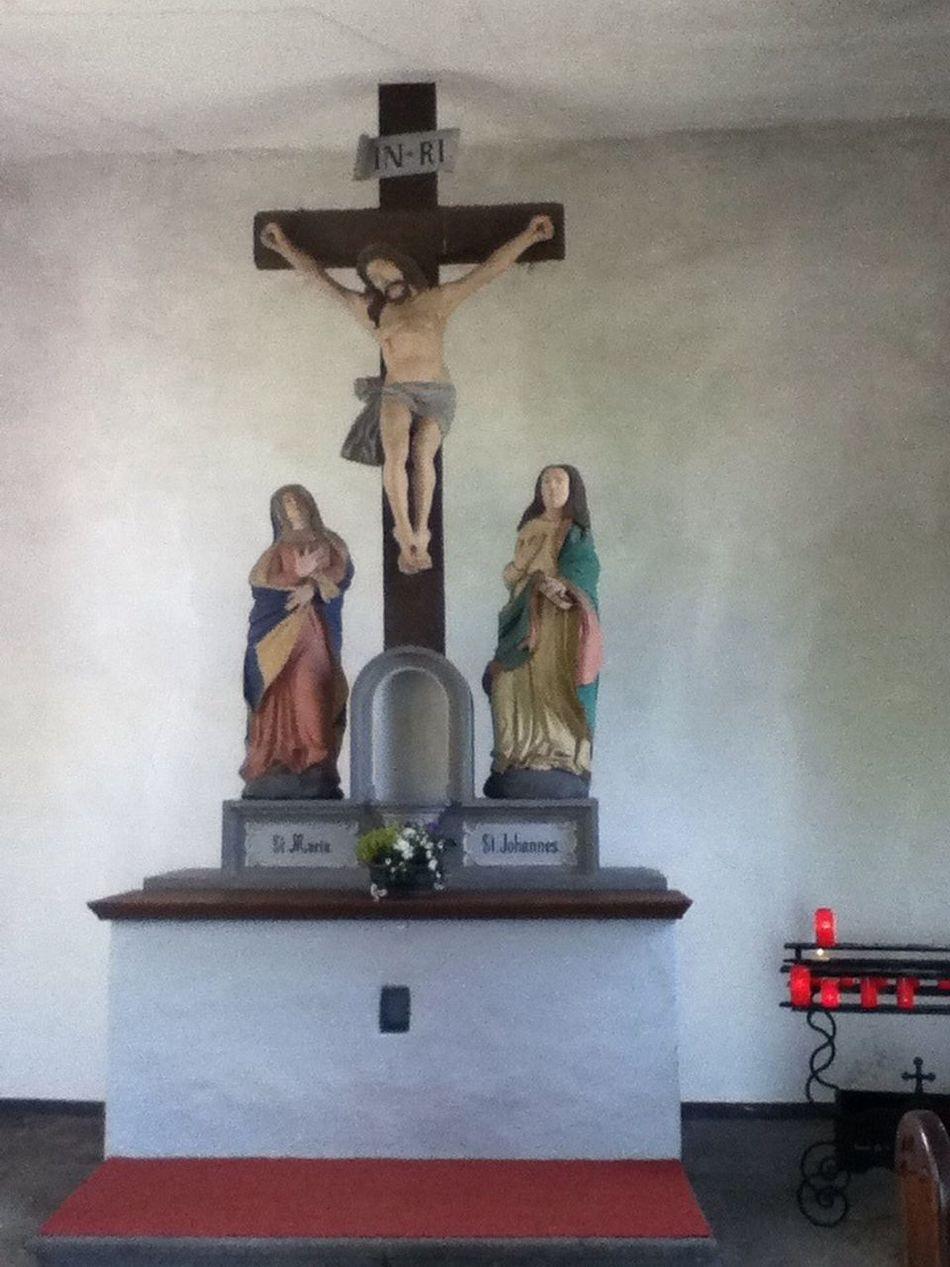 Taking Photos Heilig-Kreuz-Kapelle bei Mertloch