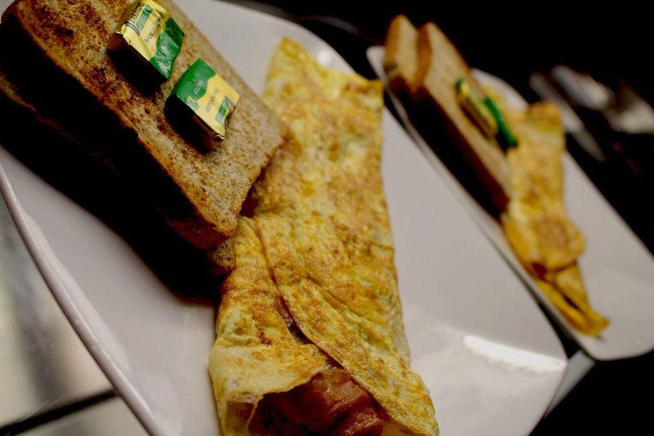 Omlette Cafe Meeting Friends Coffee On A Date Lemon Jelly Cafe Millennium Walkway Gay Cafe Dublin