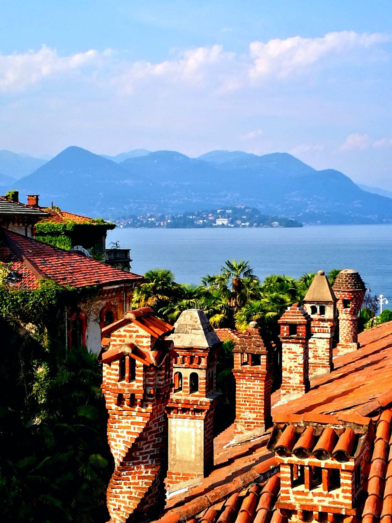 Architecture House Roof Chimneys Dach Dächer Schornstein Schornsteine View Blick Roof View Lake See Lago Maggiore Stresa