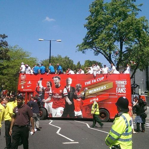 Arsenal Facup Winners 2014 Trophy Parade, Upper Street N1 Uta AFC winning