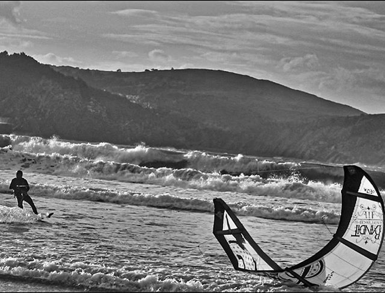 Kitesurf en plentzia 1/3 submission for 3shotsmonochrome challenge invited by my dear friend @sw_winters. Now i would invite: @laura.compte @anama1900 and @borja_delapresa. Only if you want to have fun with bnw, no pressure, 3 images, one per day, and invite 3 of your friends per day! Have fun! Blackandwhite Bnwsplash_paisvasco Total_bnw Bnw_greatshots Ok_bnw Verybilbao Bilbosoul Ilovebilbao Total_euskadi Estaes_paisvasco Loves_euskadi Ig_sanat Igersbilbao Igersbizkaia Igerseuskadi Loves_euskadi Naturaleza_euskadi Landscape View Visiteuskadi Webstagram Tagsforlikes Photooftheday Picoftheday all_shots like4like instagood waves sea turismo_euskadi