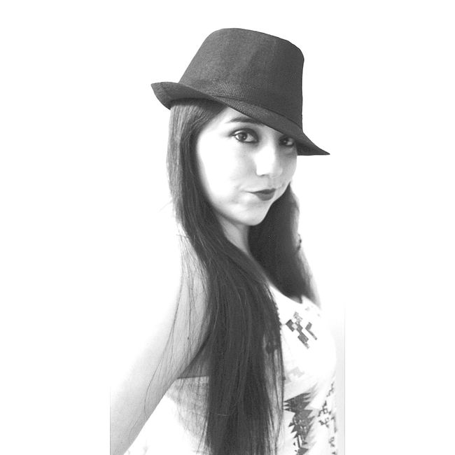 Smile ✌ Instagirl Instachile Instagood Happy :) Smile ♥ Happiness ♡ FollowMeOnInstagram Folllow4follow Chile♥ Chilena Chile Fotogenicas Fotogenica Fotos Fotograf Fotography Fotografia Model Pose Models Model Girly Girl Power Girls Girl