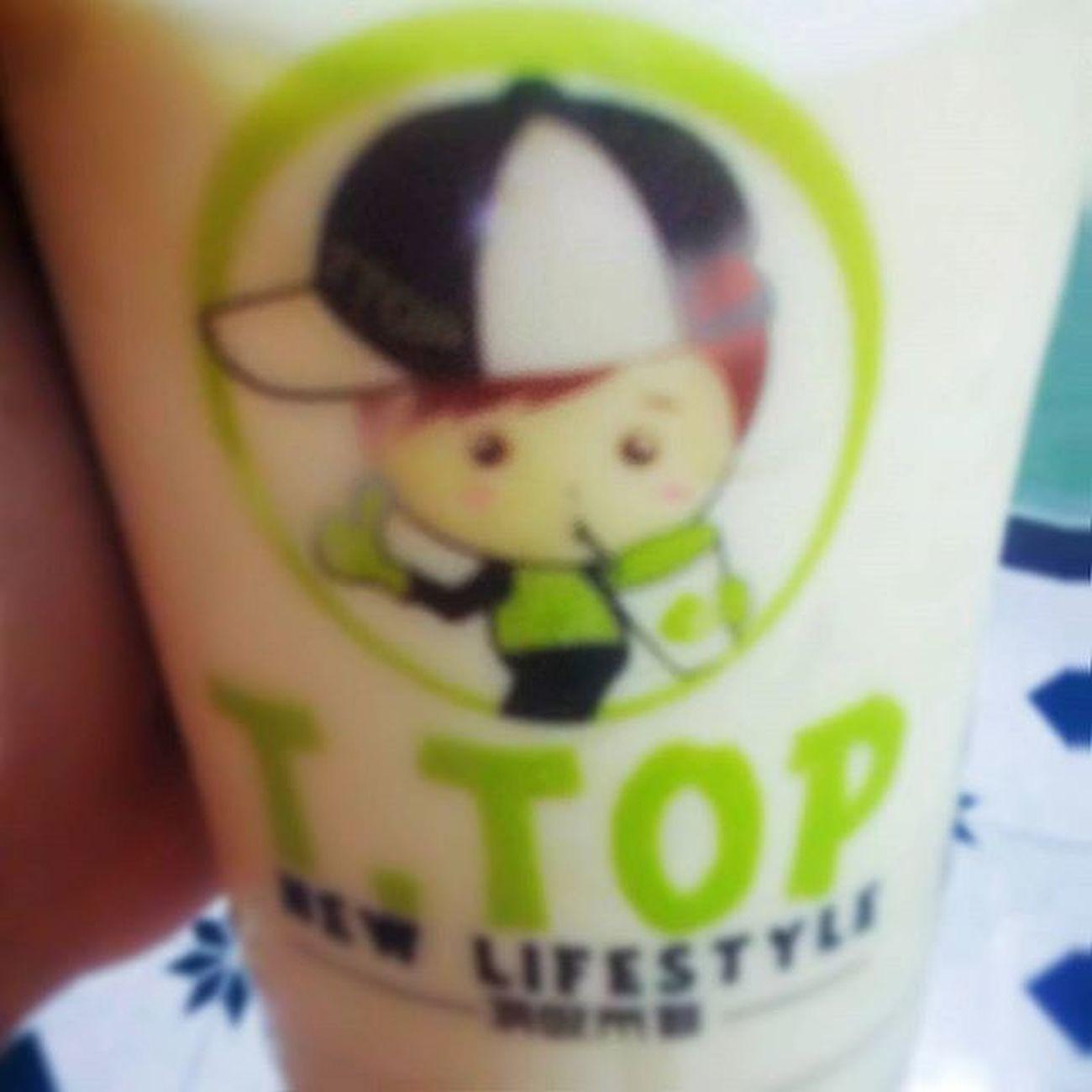 Dị ứng, đau tay và trà sữa T Top :)) Cảm ơn bạn ship trà sữa nhé :v FromHer Thegirlwhohitsmyhelmet