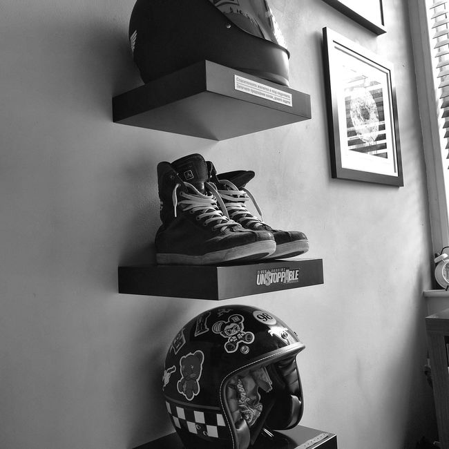 Interior Style That's Me Enjoying Life Taking Photos Noir Et Blanc Caferacer Caferacerculture Check This Out