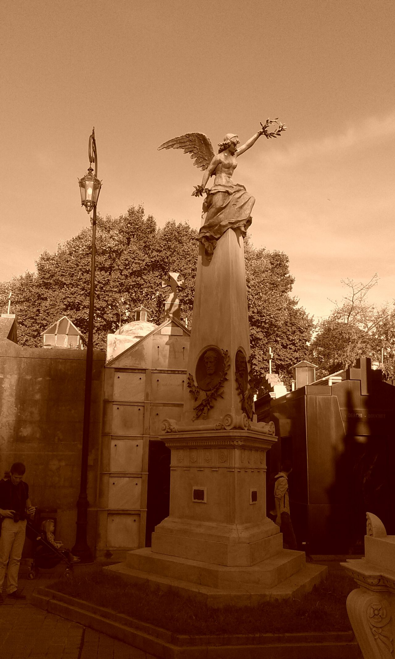 Recoletacementery Buenos Aires, Recoleta Taking Photos Check This Out Discover Your City City Citylife On The Road