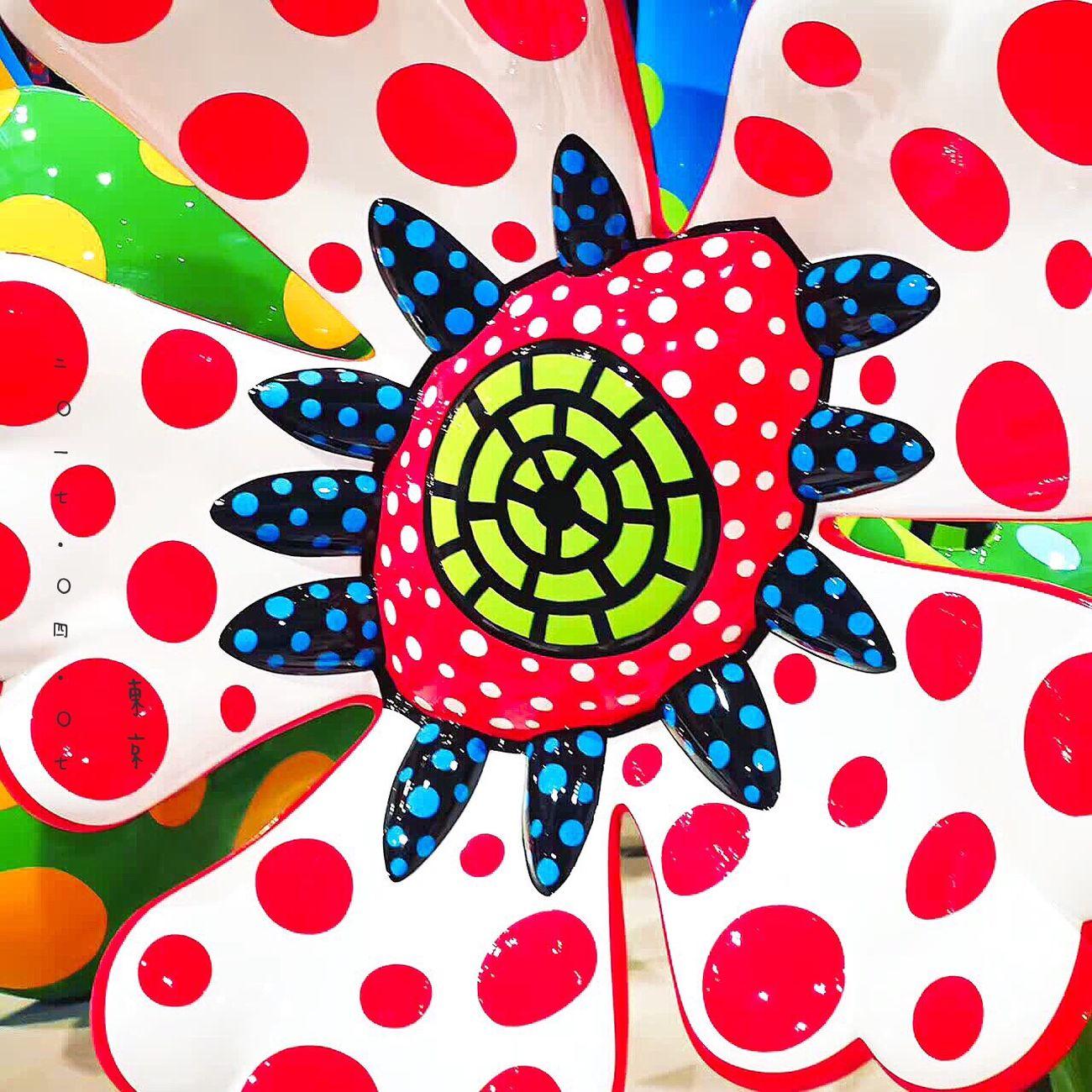 永遠的草間彌生,波點女王回顧大展。辣眼睛,辣眼睛,還是辣眼睛,從初到現在作品幾乎全收錄,沒有看過再全的了。 Beautiful Enjoying Life First Eyeem Photo Photography Hello World Travel THE NATIONAL ART CENTER,TOKYO Tokyo Japan Yayoi Kusama 草間彌生 Art Museum