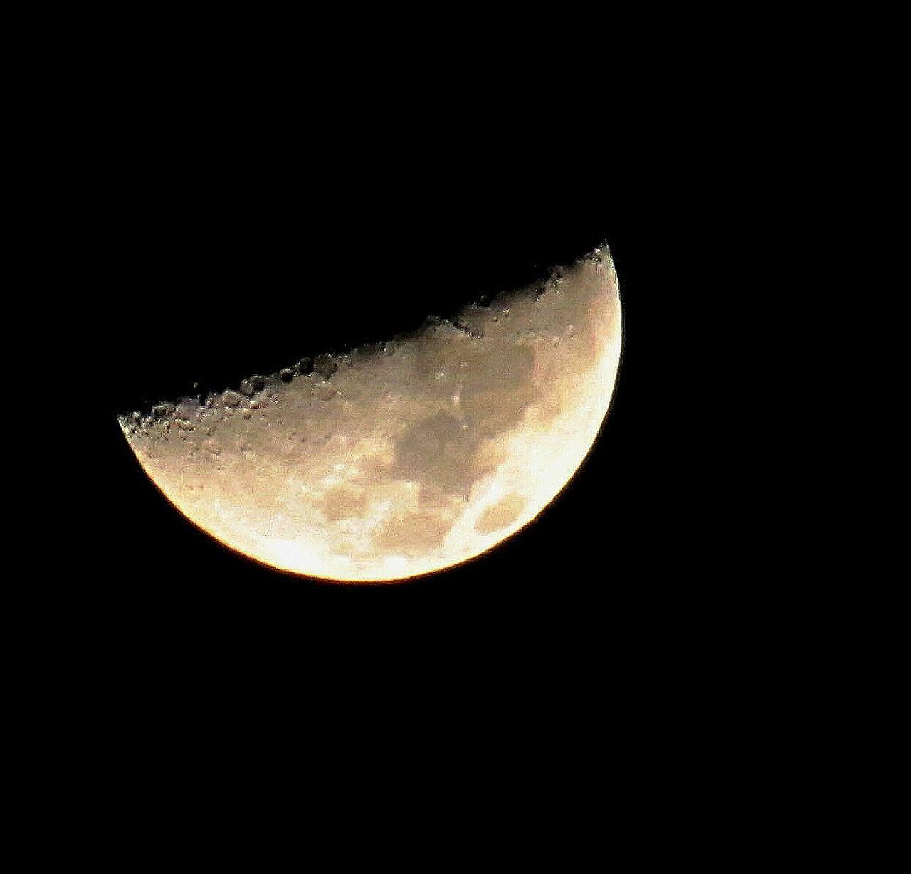 December moon (Dec 6,2016 to be exact) Astronomy Night Moon Black Background Half Moon Moon Surface EyeEm EyeEm Best Shots Getting Inspired