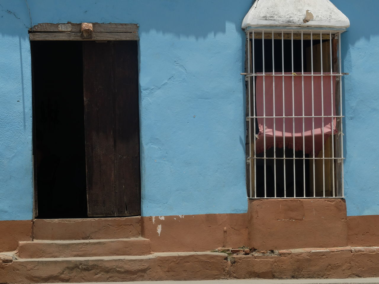 Cuba Trinidad House Colors Entrance