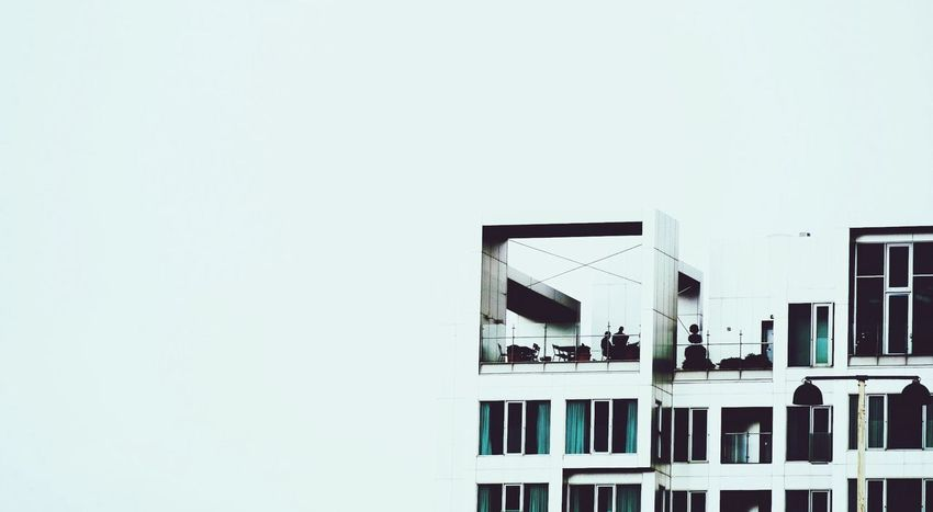 People Watching Up On The Roof Urban Life Cityscapes Smart Simplicity
