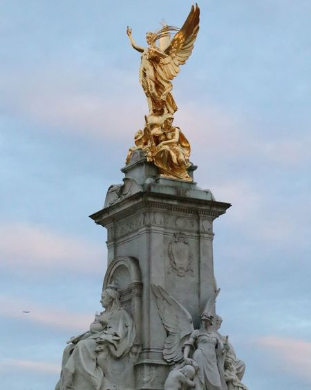 Statue Sculpture Sky Travel Destinations Architecture Cloud - Sky Monument Low Angle View Architectural Column No People Outdoors Day Royal Person Buckingham Palace Queen Victoria  London Tourist Cityscape Uk Travel Built Structure EyeEm Selects Tourist Attraction  Landmark Architecture EyeEm LOST IN London