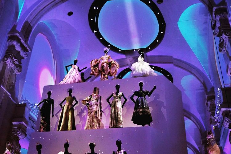 Christian Dior: le couturier de rêve Fashion Photography Fashion Photography Exhibition Art Culture Travel Paris Love Christian Dior  Dior Museum Illuminated Shine Low Angle View Manequin Couture Adore Indoors  Display