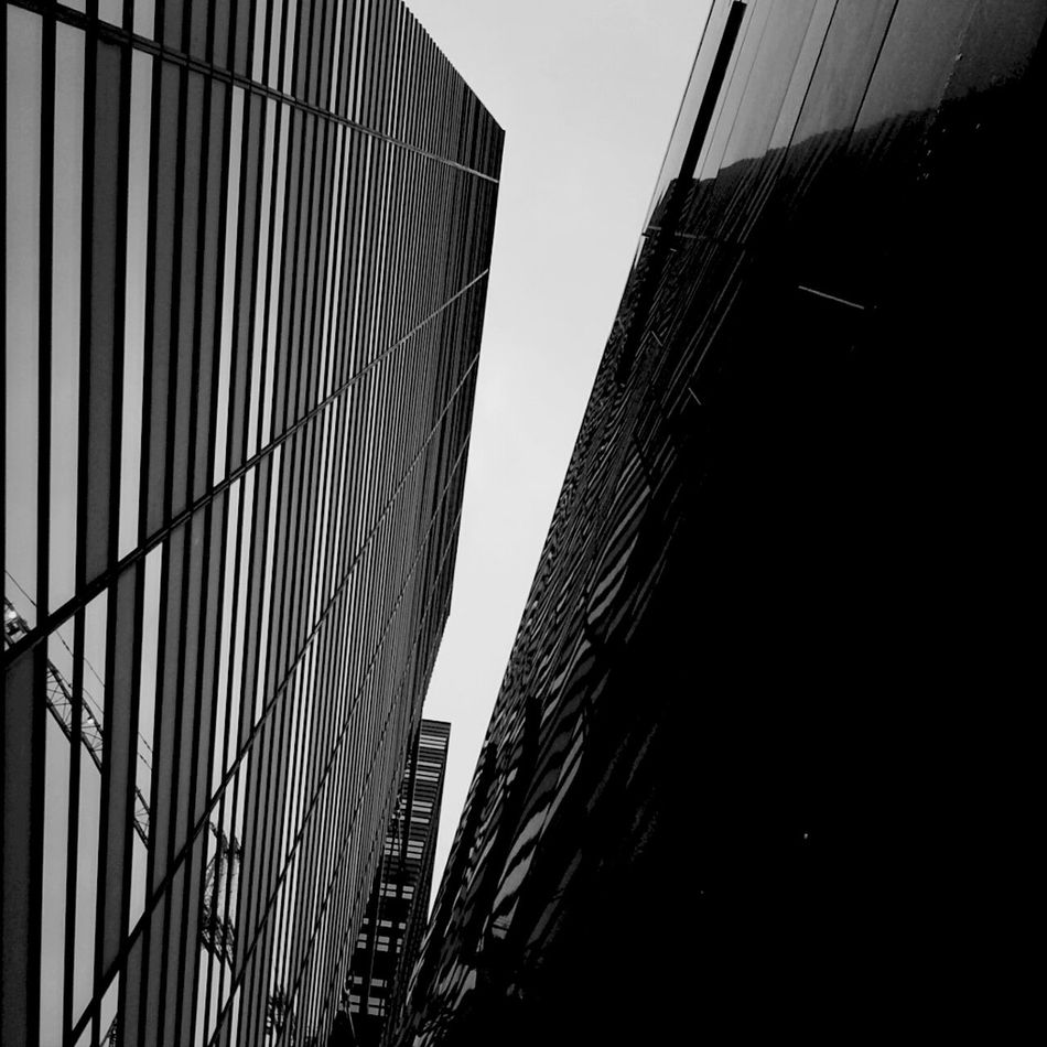 Hanging Out Architecture Blackandwhite AMPt-Android AMPt_community