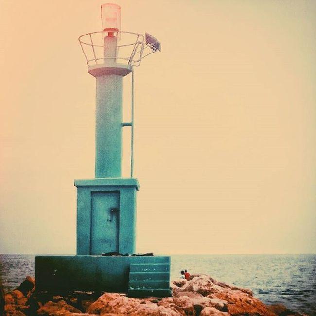 Luz 💡 Myfavouritephoto Light Lighthouse Mar Rocas Goodnight Guia Guide Landscape Beach Rocas Rocks Cullera València Instagram Instalike Instagrammers Instagood Like Like4like Likeforlike Liking Pic Original Retouched photography travel instalandscape reflexes reflejos