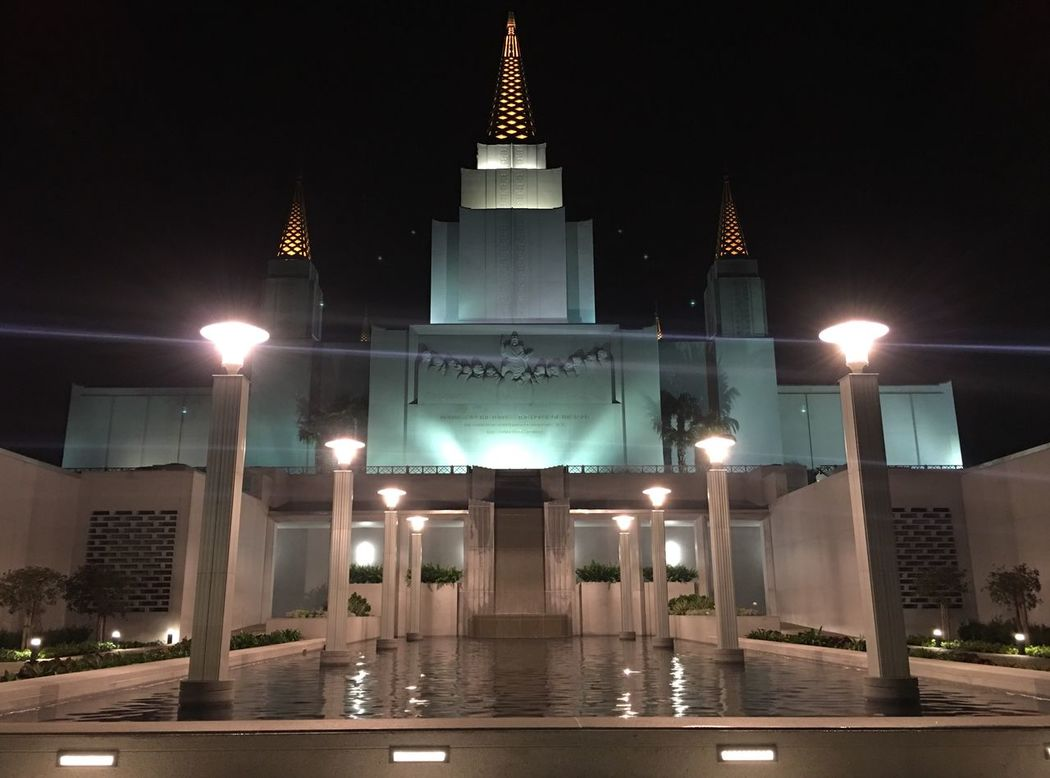 The Oakland Temple Adapted To The City EyeEmNewHere Miles Away Lieblingsteil Minimalist Architecture The City Light Welcome To Black Long Goodbye EyeEm Diversity The Secret Spaces Neighborhood Map The Street Photographer - 2017 EyeEm Awards The Architect - 2017 EyeEm Awards The Great Outdoors - 2017 EyeEm Awards The Great Outdoors - 2017 EyeEm Awards Live For The Story